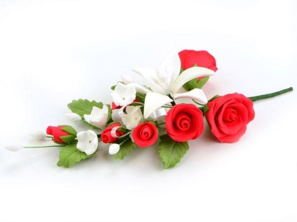 Zuckerblüte Blumenbouquet Lilien und Rosen